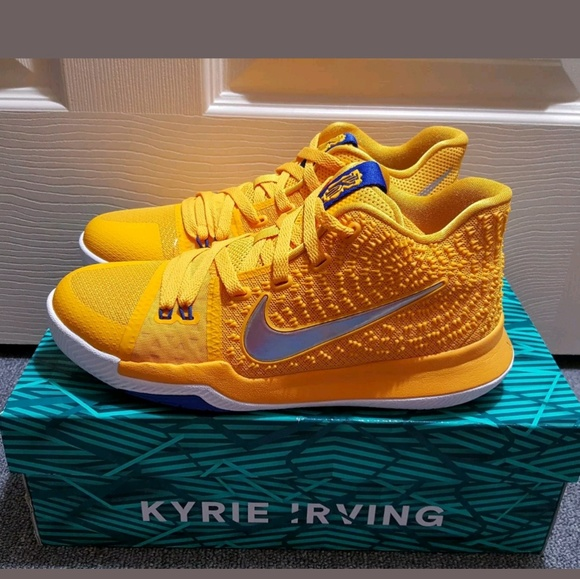 best website 57f5c 25d81 Nike KYRIE 3 Yellow Silver White Youth Shoes